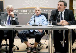 mujica-in-sandals